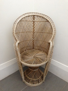 The starting point: a lovely vintage child-sized peacock chair.
